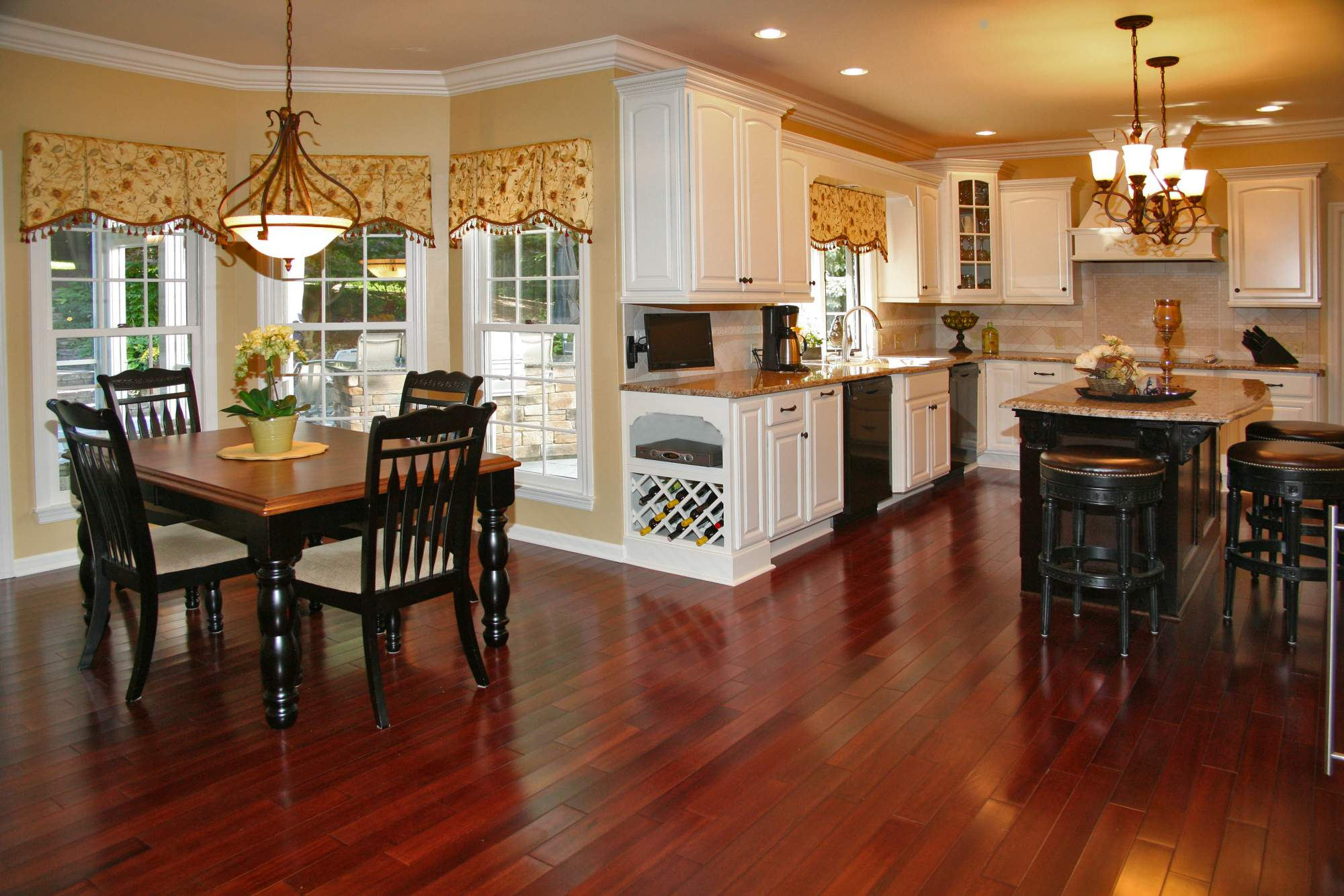 Kitchen Cabinets Buffalo Ny Traditional Cream Amp Mahogany Kitchen Gt Kitchens Gt Projects