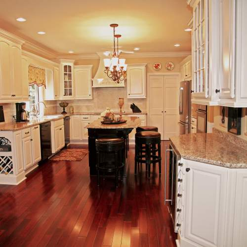 Traditional Cream & Mahogany Kitchen