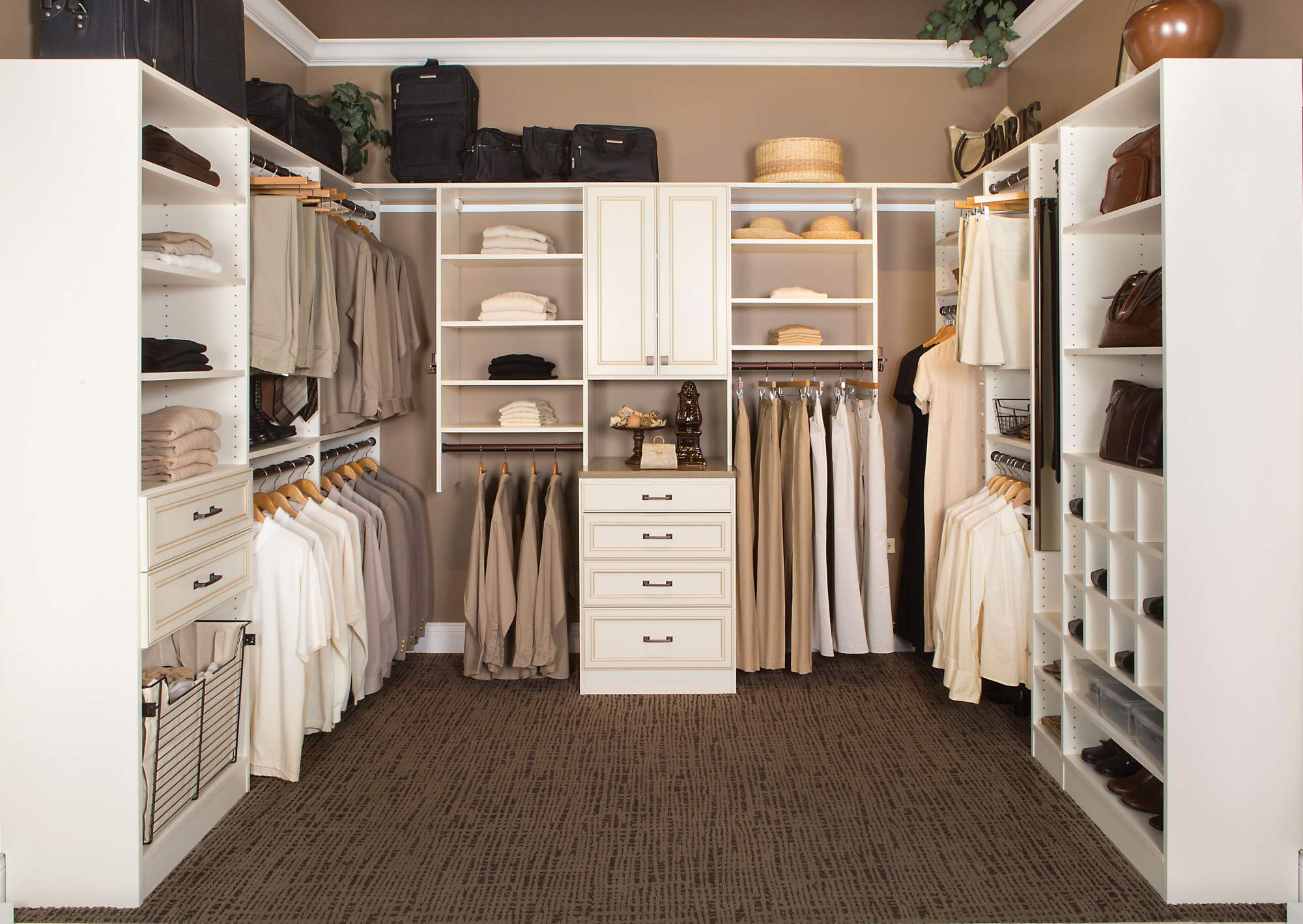 Walk in closets custom closets projects repp - Pictures of walk in closets ...