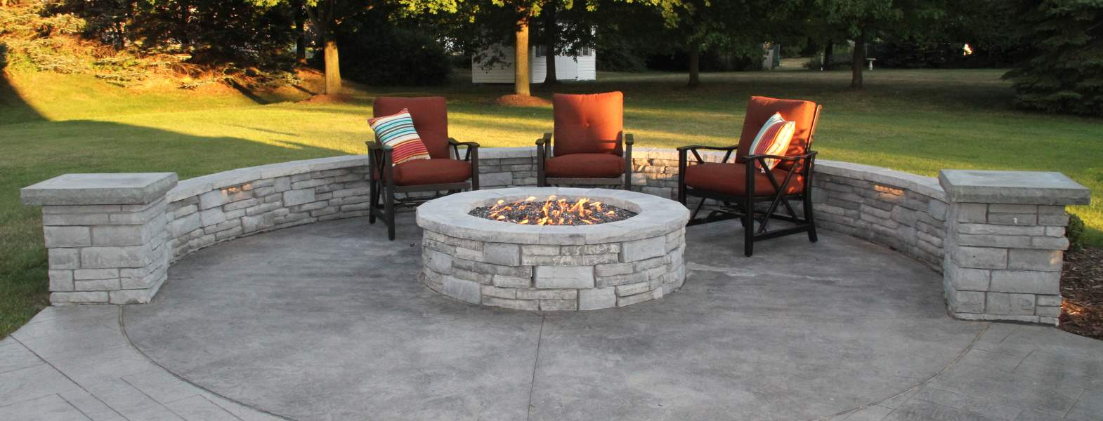 Traditional Patio with Fire Pit