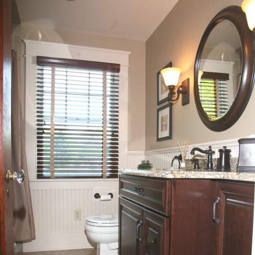 Compact Historical Traditional Bathroom