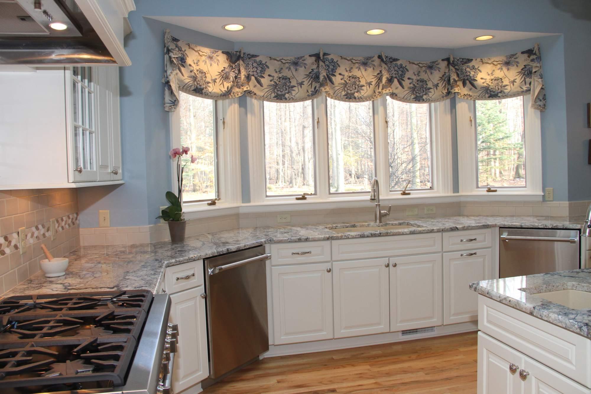 Traditional White Kitchen With Blue Azurite Granite Kitchens